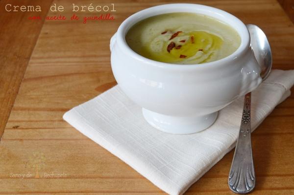 Crema de brécol con aceite de guindilla