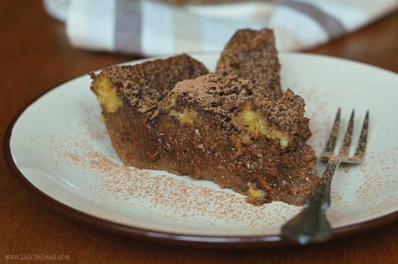Delicioso pudding de chocolate negro y café, para amantes de sabores intensos