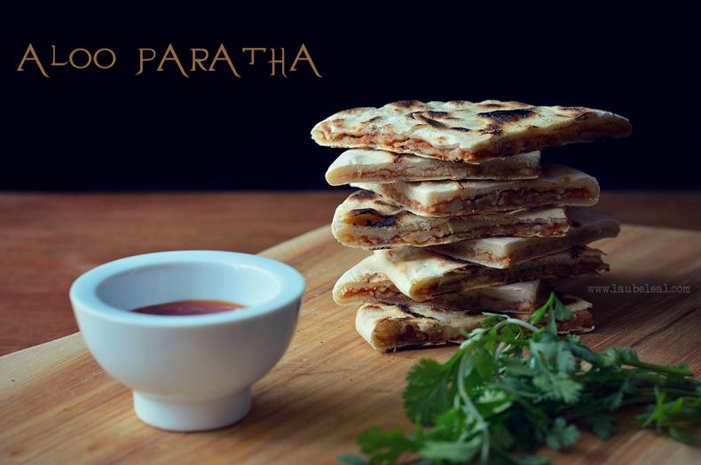 Aloo paratha, un delicioso pan plano indio relleno de papa