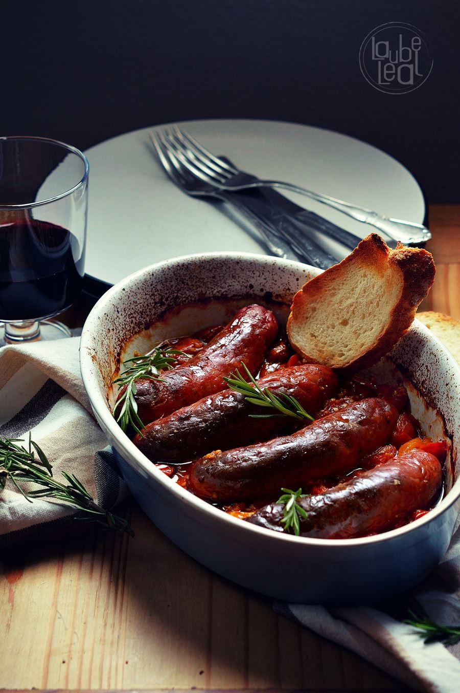 Salchichas frescas asadas con salsa de cherries laube leal - Salchichas frescas en salsa ...