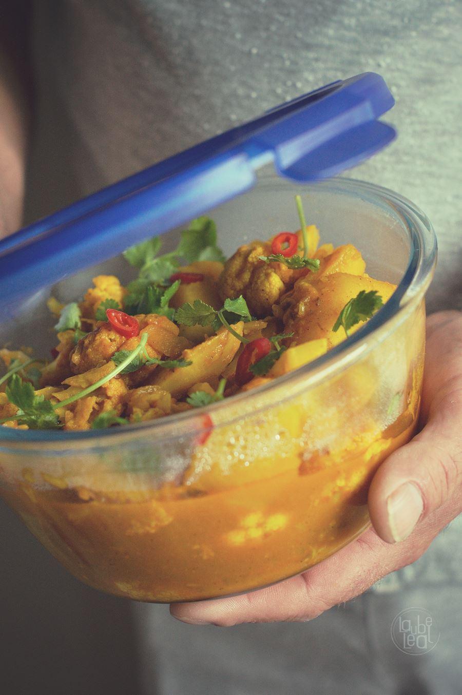 Cómo preparar un curry aloo gobi
