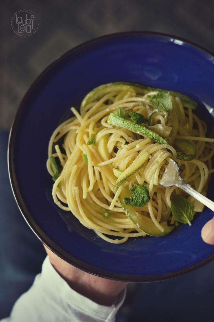 Spaghetti con calabacín y limón (5 ingredientes de Jamie Oliver)