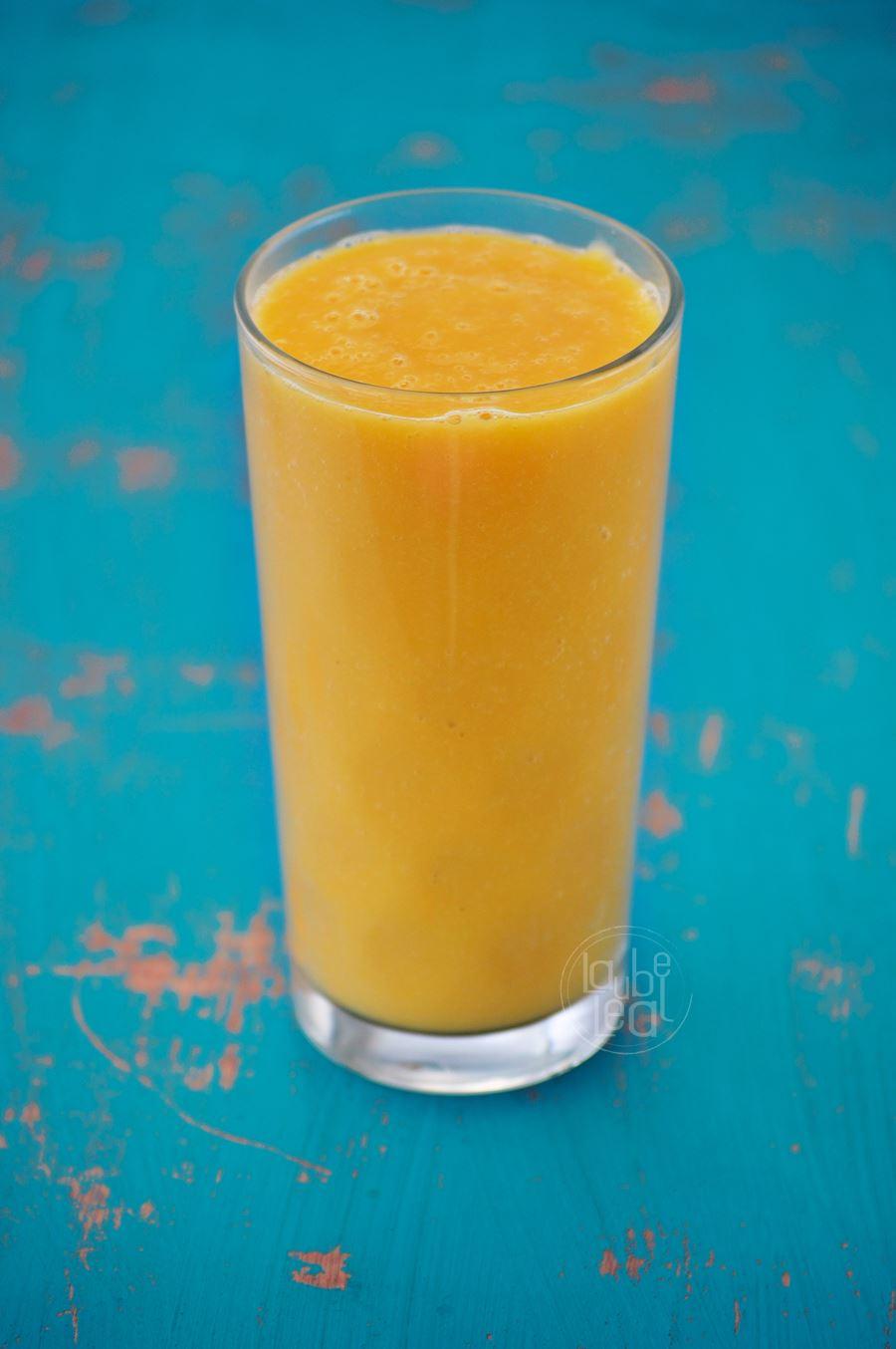 Batido de nectarinas y papaya con leche de avena
