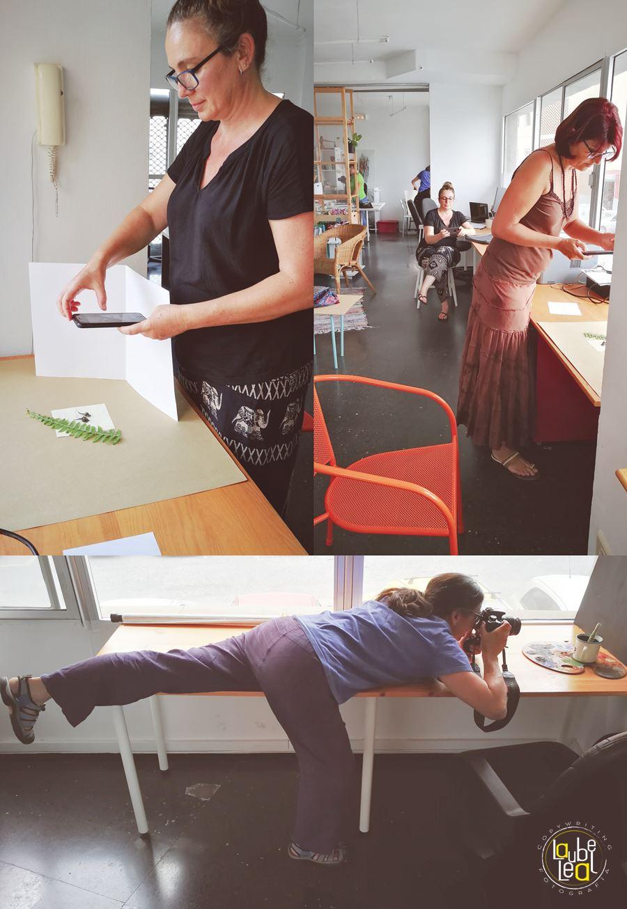 Las asistentes al taller haciendo sus ejercicios prácticos. La fotografía requiere mucha prueba y error.