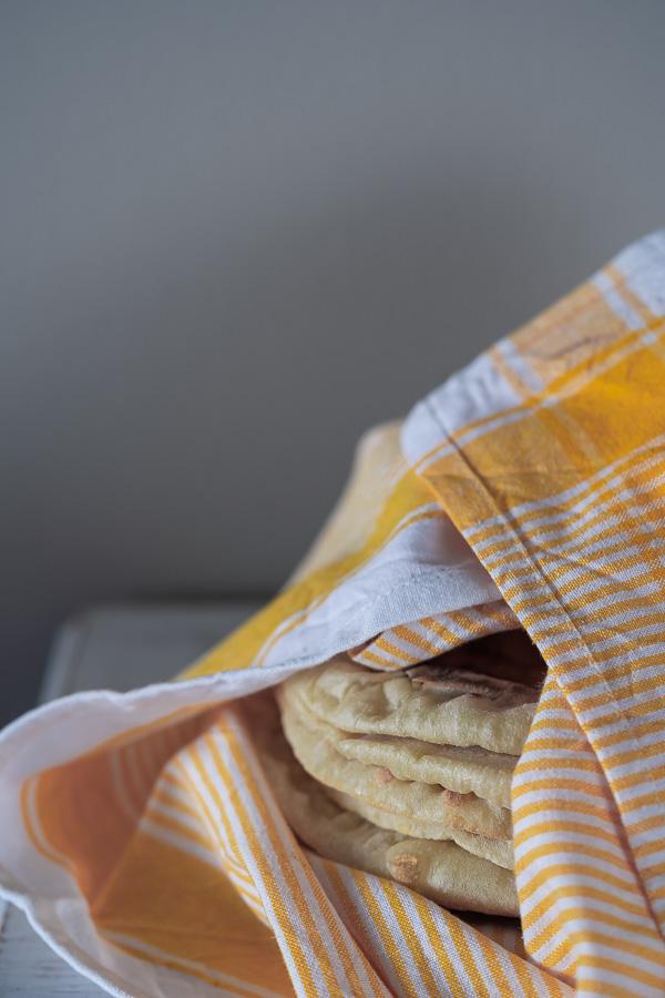 Pan naan en sartén