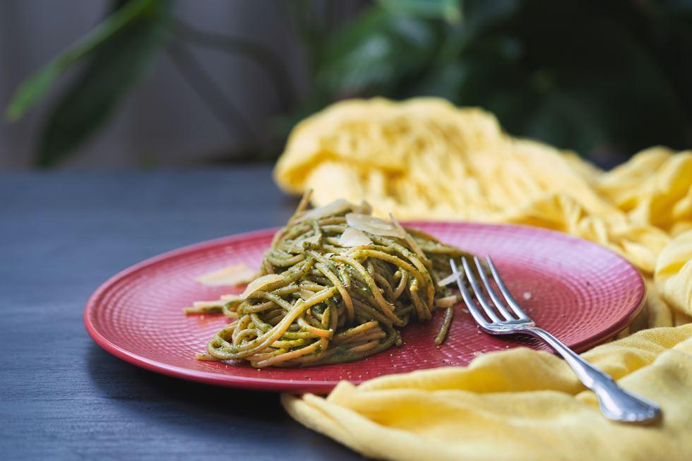 Spaghetti con salsa de espinacas