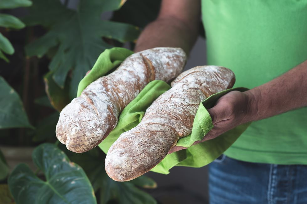 Barras de pan retorcidas y sin amasado